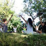 Yoga buiten in de natuur